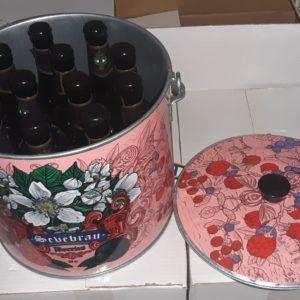 Cubo de cinz decorado con 12 cervezas artesanas