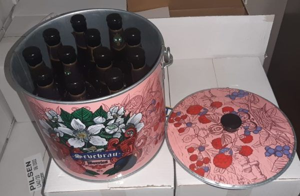 Cubo de cinz decorado con 12 cervezas a elegir