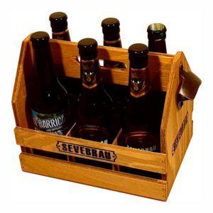 cesta de cerveza madera con asa y abridor