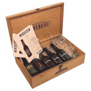 maletin de cervezas con vaso cervecero
