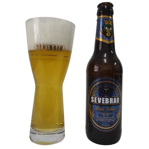 lager pilsen color cerveza en vaso